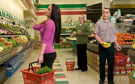 Do men & women shop differently